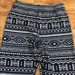Pants - Black and white Aztec print leggings